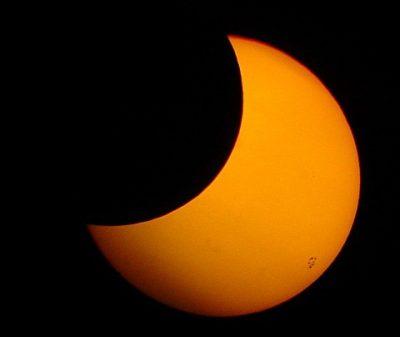 Aufnahme: 6.02 Uhr Newtonspiegel 114/1000mm Sonnenfilter, Digitalfotoapp. Sony DSC-S85