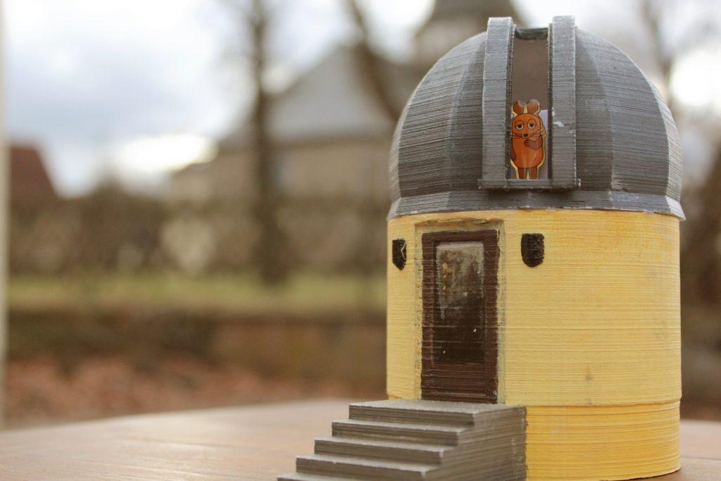 Die WDR-Maus in der Sternwarte Kanena